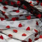 Фатин черный красные сердечки