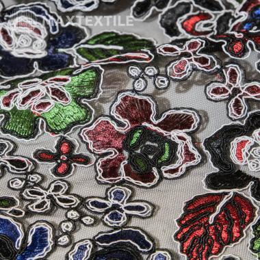 Гипюр с цветным фактурным дизайном на черной основе 201-1-87-2